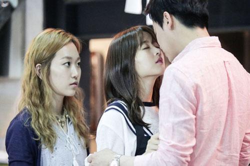 """Những chuyện tình tay ba trong phim Hàn Quốc khiến khán giả """"dậy sóng"""""""
