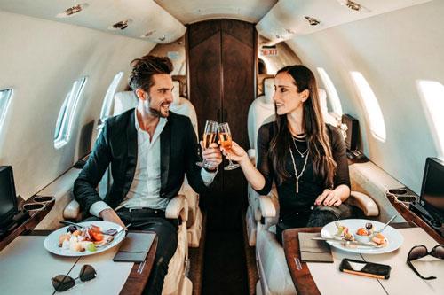 Từ năm 2005 đến 2019, số 'người rất giàu', lẫn 'người siêu giàu' (sở hữu giá trị tài sản từ 30 triệu USD trở lên), đã tăng hơn gấp đôi.