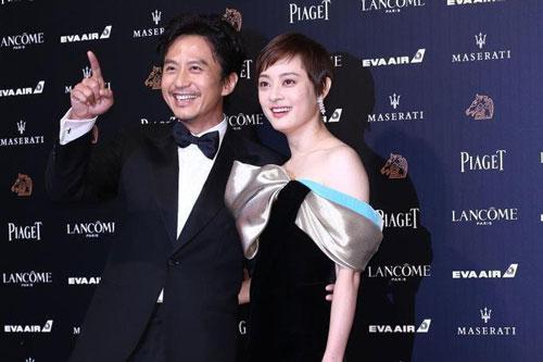 Top 10 cặp đôi 'phim giả tình thật' nổi tiếng nhất Cbiz: Chuyện tình còn đẹp hơn phim