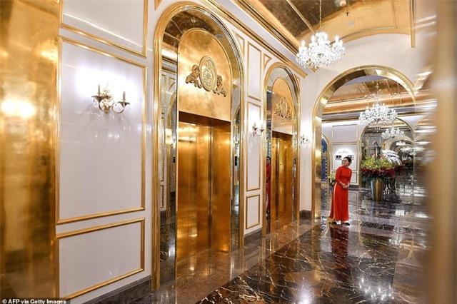 Báo chí quốc tế sửng sốt trước khách sạn dát vàng ở Việt Nam - 10