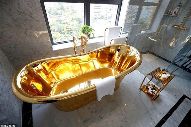 Báo chí quốc tế sửng sốt trước khách sạn dát vàng ở Việt Nam - 14