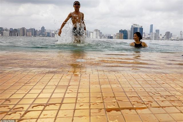 Báo chí quốc tế sửng sốt trước khách sạn dát vàng ở Việt Nam - 5