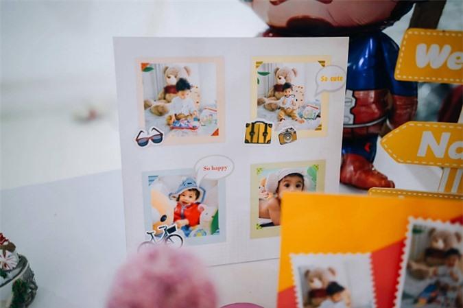 Bé Nanda là niềm tự hào của Nguyệt Ánh. Khi không có lịch diễn, cô dành hết thời gian để bên con, lên danh sách những điều cần làm và chơi với con hết cả ngày. Vì thế trong bữa tiệc sinh nhật, hình ảnh bé Nanda qua các giai đoạn được treo khắp nơi.