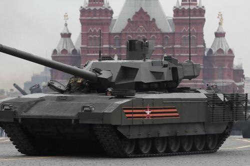 Mỹ sẽ áp đặt lệnh trừng phạt lên các quốc gia mua xe tăng T-14 Armata. Ảnh: TASS.