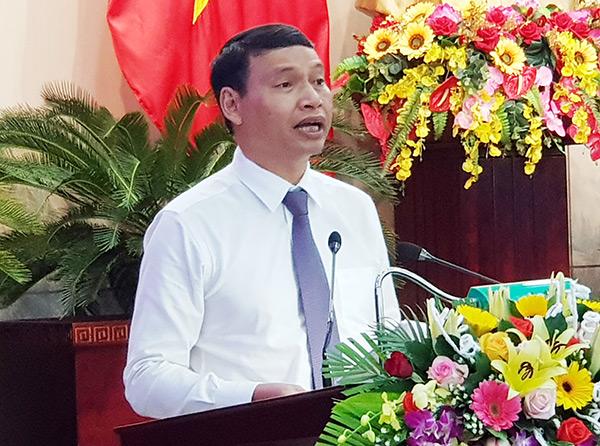 Phó Chủ tịch UBND TP Đà Nẵng Hồ Kỳ Minh trình bày đề xuất 03 kịch bản cho tăng trưởng kinh tế TP năm 2020 (Ảnh: HC)