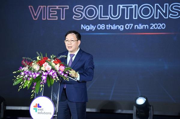 Quyền Chủ tịch kiêm Tổng giám đốc Tập đoàn Viettel Lê Đăng Dũng.
