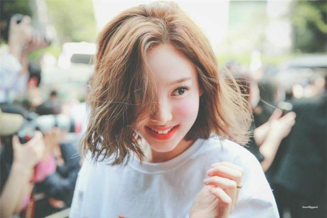 4 mỹ nhân tóc ngắn gây 'bão' Kpop hè 2020 - Ảnh 5