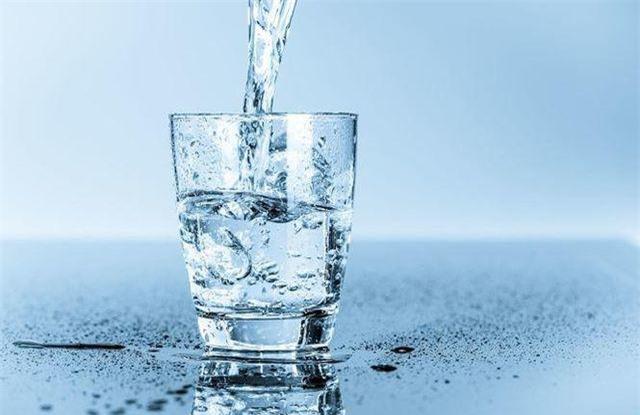 Chuyên gia chỉ 6 quy tắc khi uống nước vào mùa hè bắt buộc phải nhớ kẻo rước họa - Ảnh 4.