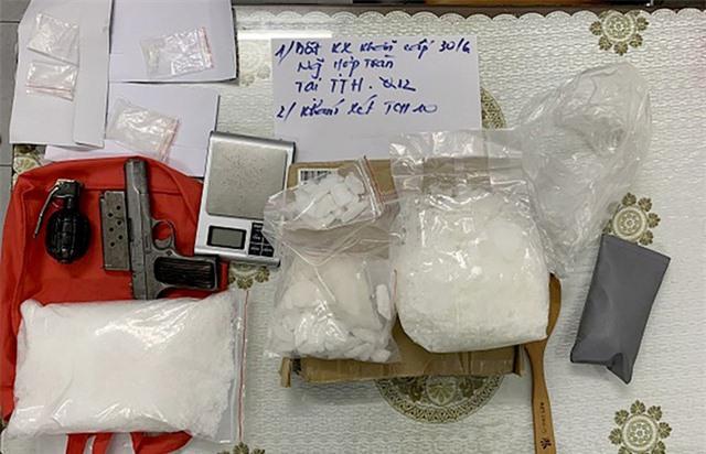Những con buôn ma túy luôn thủ súng phòng thân - Ảnh 2.
