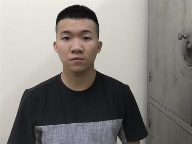 Thanh niên mang theo súng từ Bắc Ninh lên Hà Nội thì bị chốt 141 phát hiện - Ảnh 1.
