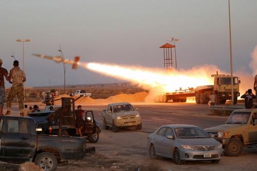 Thổ Nhĩ Kỳ đã đưa tới Libya 6 tổ hợp tên lửa phòng không S-125 Pechora nâng cấp. Ảnh: Al Masdar News.