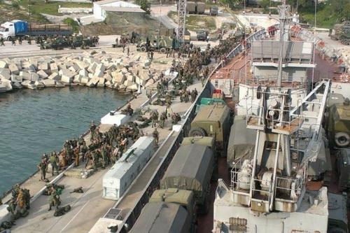 Nga đã cung cấp lô xe tăng chiến đấu chủ lực T-90 tiếp theo cho Syria. Ảnh: Al Masdar News.