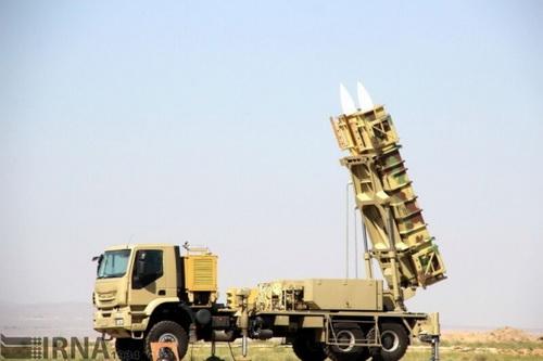 Hệ thống tên lửa phòng không tầm trung Khodad 15 của Iran. Ảnh: IRNA.