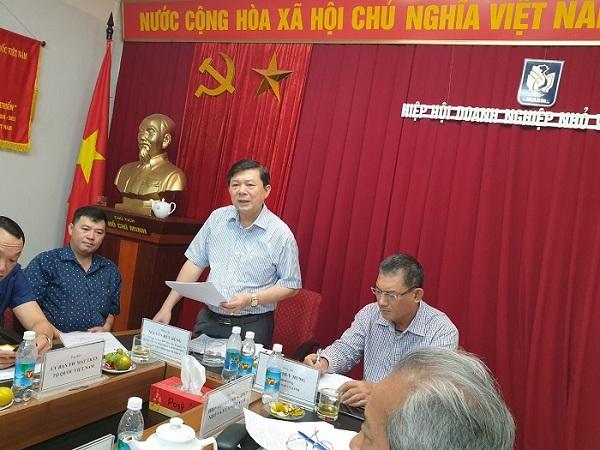Ông Nguyễn Hữu Dũng – Phó Chủ tịch UBTƯ MTTQ Việt Nam phát biểu tại hội nghị