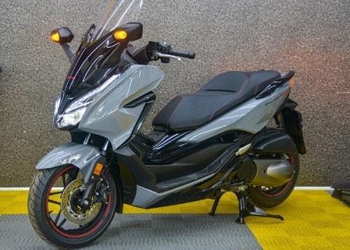 Honda Forza 300 về Việt Nam với giá 345 triệu đồng