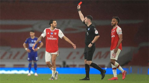 Arsenal đang là đội 'chơi bẩn' nhất Premier League