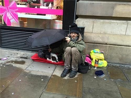 Bật khóc trước những giây phút cảm động của loài vật không bao giờ chê chủ nghèo khó - 8