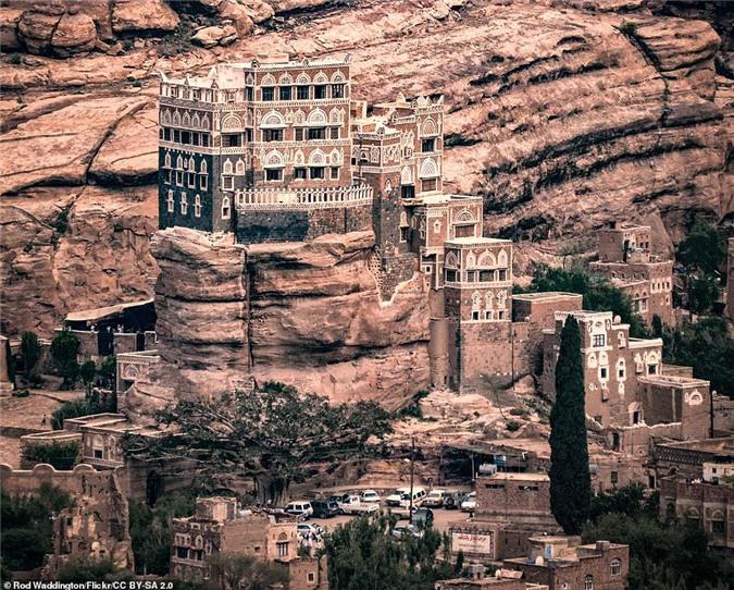 Cung dien da Dar al-Hajar anh 1