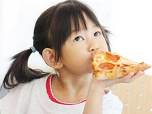 Đồ ăn nhanh gây béo phì cho con bạn