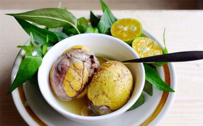 Trứng vịt lôn gây béo phì tim mạch cho con bạn