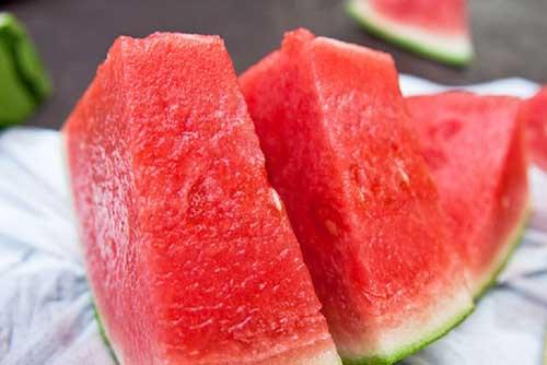 Ăn dưa hấu rất tốt nhưng đây là những điều cần lưu ý khi ăn
