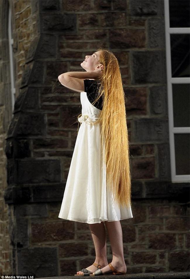 """Những kỷ lục """"khủng"""" nhất về tóc - 11"""