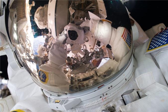 Vẻ đẹp bất tận của Trái Đất trong bộ ảnh được chụp từ vũ trụ - 1