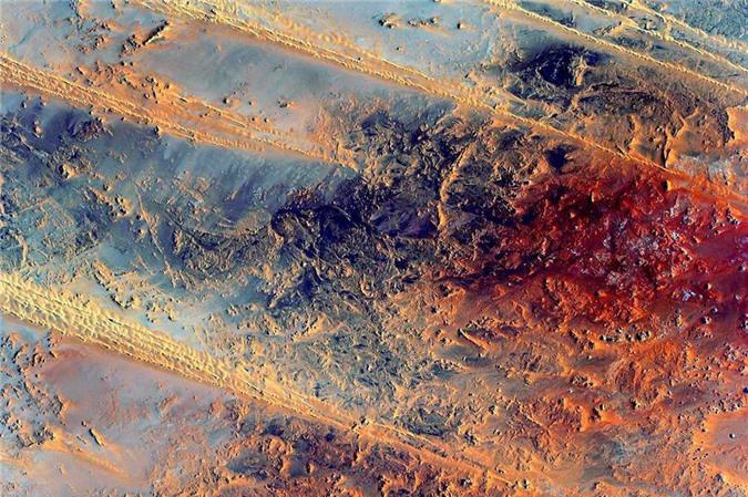 Vẻ đẹp bất tận của Trái Đất trong bộ ảnh được chụp từ vũ trụ - 13