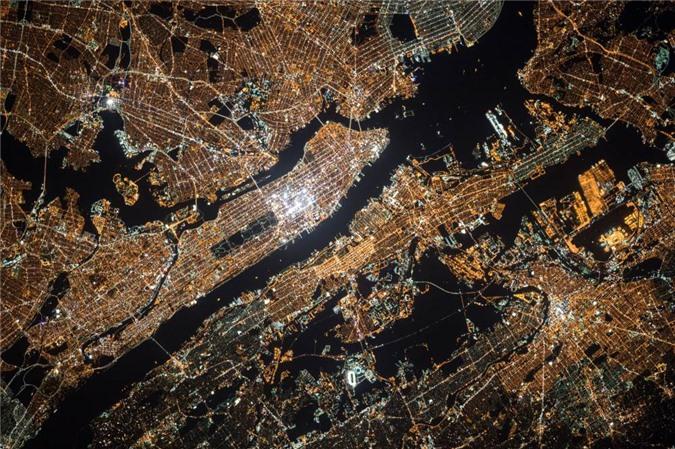 Vẻ đẹp bất tận của Trái Đất trong bộ ảnh được chụp từ vũ trụ - 14
