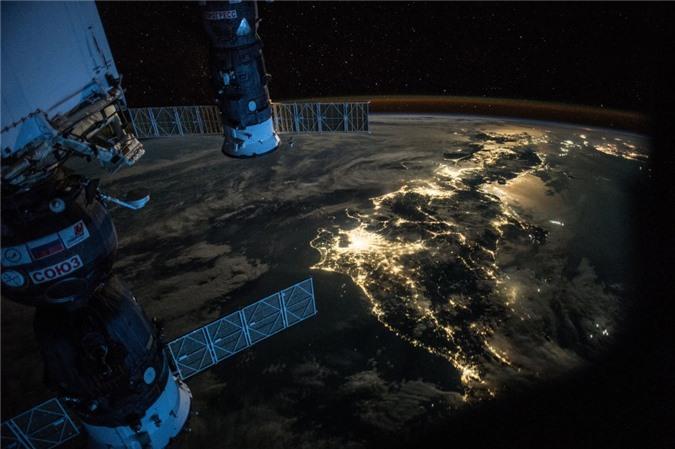 Vẻ đẹp bất tận của Trái Đất trong bộ ảnh được chụp từ vũ trụ - 15