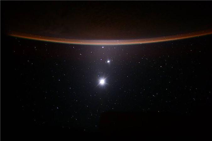 Vẻ đẹp bất tận của Trái Đất trong bộ ảnh được chụp từ vũ trụ - 16