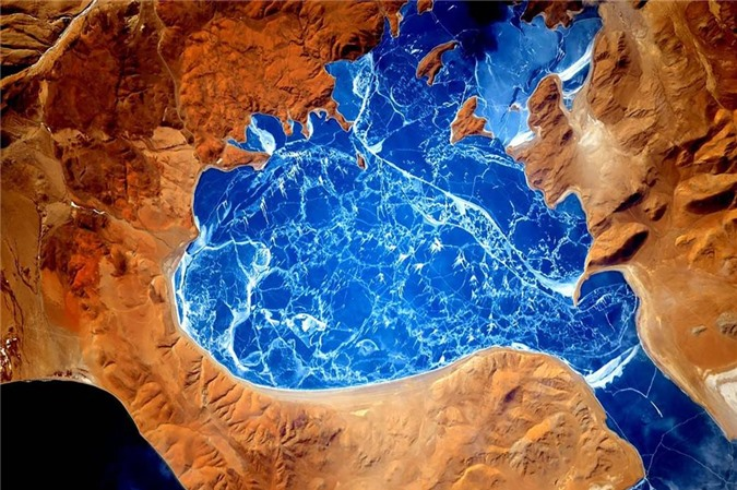 Vẻ đẹp bất tận của Trái Đất trong bộ ảnh được chụp từ vũ trụ - 9