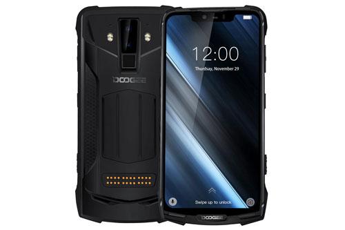 S90C có kích thước 168,5x80,7x14,1 mm, trọng lượng 300 g.