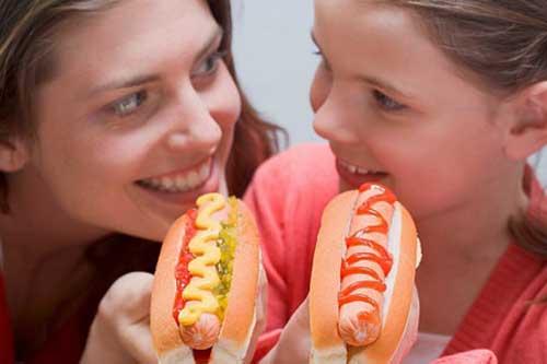 Thịt đỏ chứa chất béo cao như thịt bò và món hamburger có thể khiến bạn trở nên uể oải, đờ đẫn.