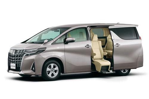 =3. Toyota Alphard (doanh số: 6 chiếc).