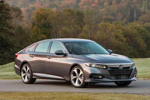 9. Honda Accord (doanh số: 34 chiếc).