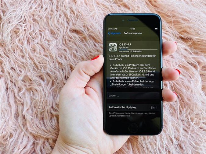 iPhone SE 2020 cài đặt iOS 13.4 mới nhất
