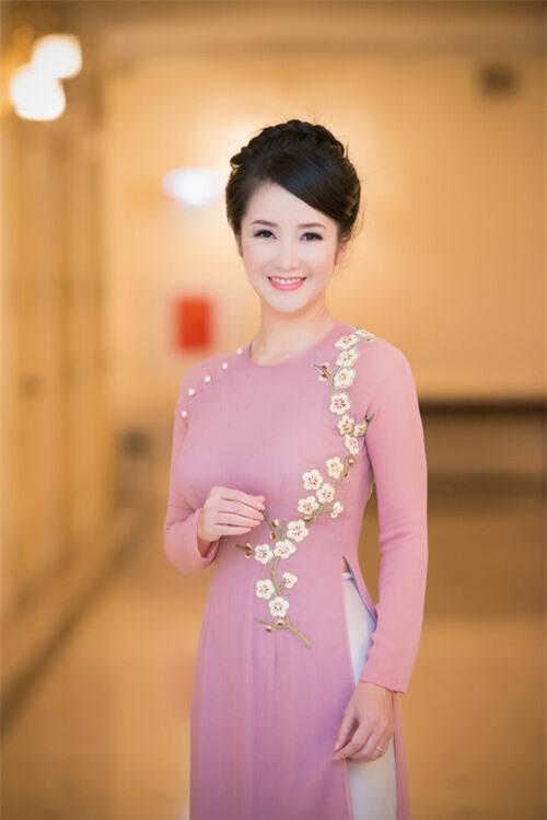4 ngôi trường THPT nức tiếng ở Hà Nội được mệnh danh là 'lò đào tạo sao Việt' - Ảnh 6