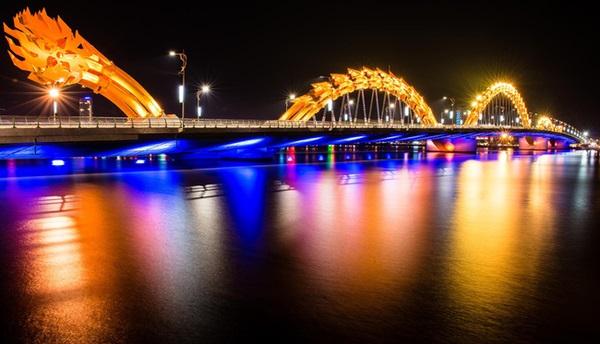 PGS.TS Trần Đình Thiên: Đà Nẵng mới chỉ đáng sống ban ngày, còn đáng ngủ ban đêm!