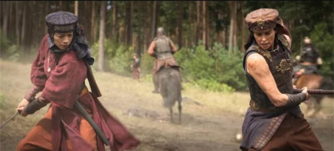 Những cảnh quay của Ngô Thanh Vân và Charlize Theron trong The Old Guard.