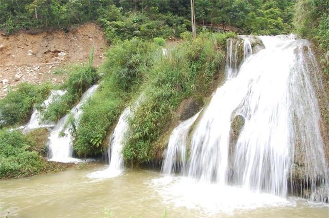 Khám phá những thác nước đẹp nhất Sa Pa - 8