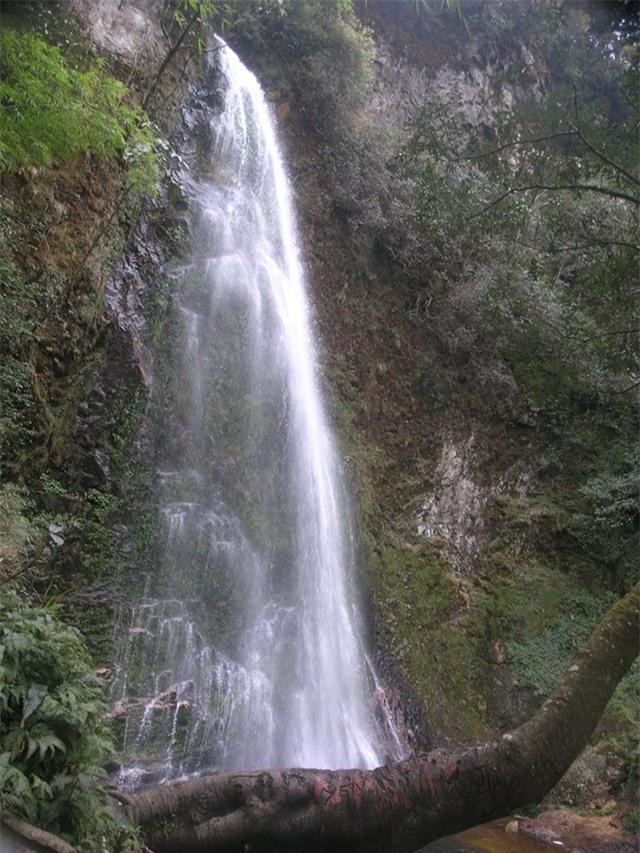 Khám phá những thác nước đẹp nhất Sa Pa - 9