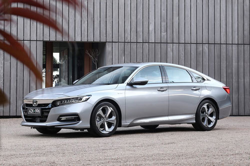 5. Honda Accord (doanh số: 114 chiếc).