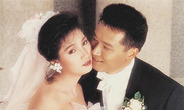 5 cặp đôi 'thiên trường địa cửu' của TVB - Ảnh 11