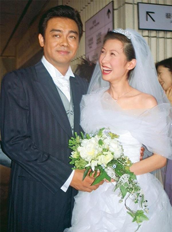 5 cặp đôi 'thiên trường địa cửu' của TVB - Ảnh 5