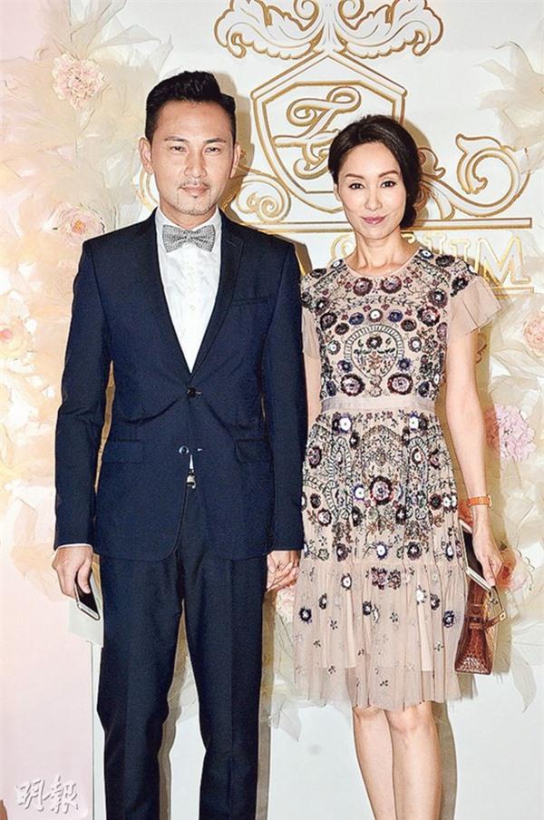 5 cặp đôi 'thiên trường địa cửu' của TVB - Ảnh 8