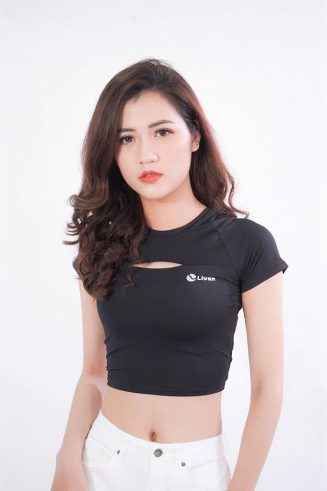 co giao hot girl duoc hoc sinh yeu quy anh 6