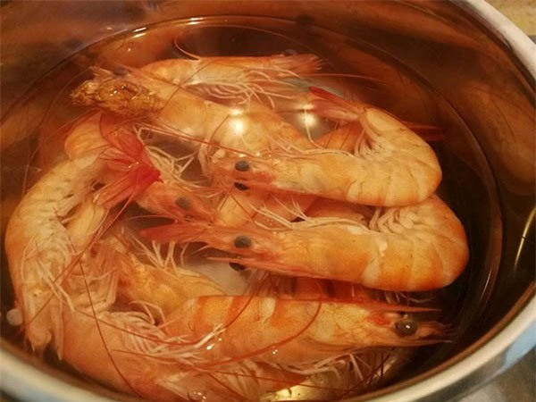 Làm nem hải sản kiểu này gia đình ăn ngon không còn thừa một cái - Ảnh 2.