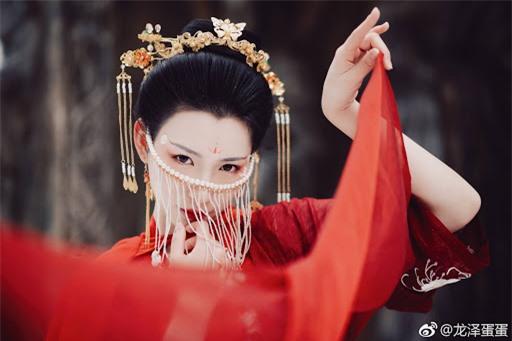 Mỹ nhân thê thảm nhất thời Bắc Tề: Chết bởi một nhát dao, phi tử đầu tiên trong lịch sử Trung Hoa bị Hoàng đế rút xương làm đàn tì bà - Ảnh 1.