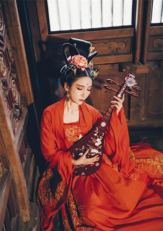 Mỹ nhân thê thảm nhất thời Bắc Tề: Chết bởi một nhát dao, phi tử đầu tiên trong lịch sử Trung Hoa bị Hoàng đế rút xương làm đàn tì bà - Ảnh 2.